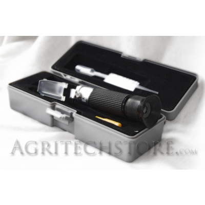 Refractómetro Escala Triple con ATC MR200